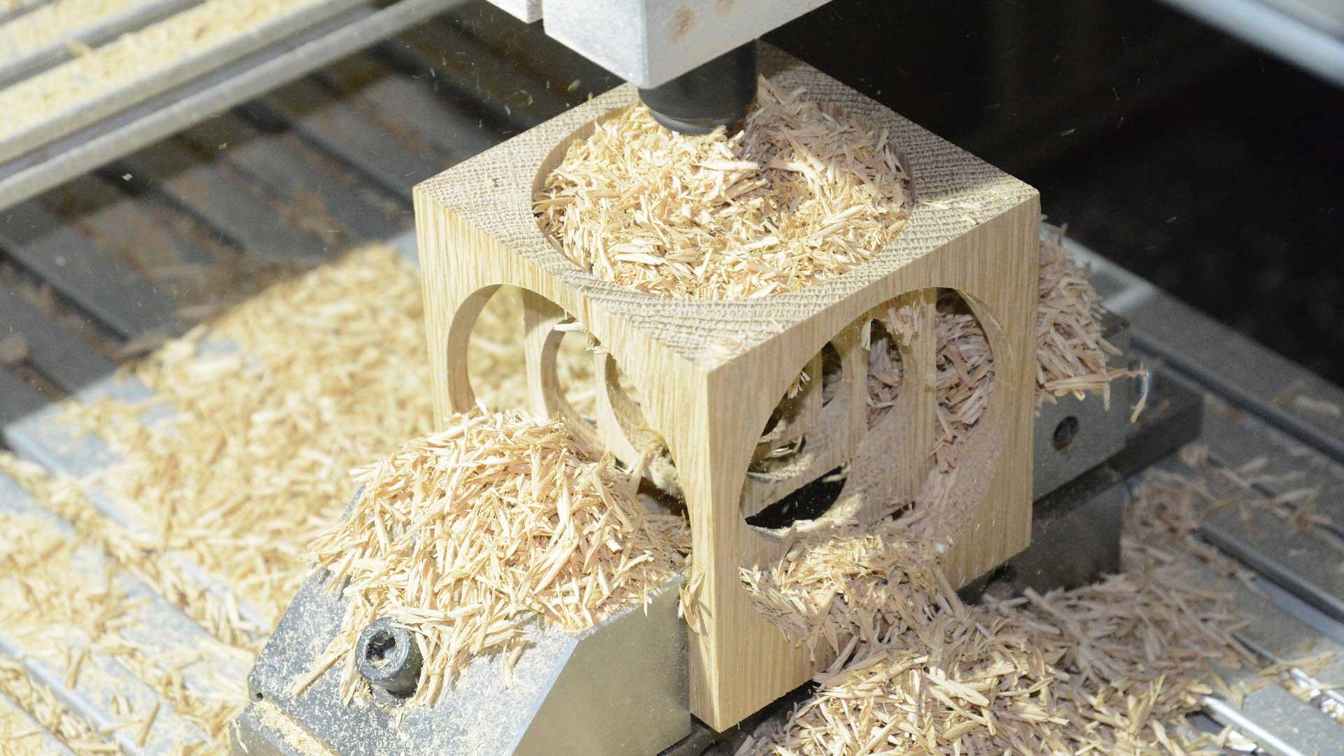 Macchine cnc cosa sono - lavorazione del legno
