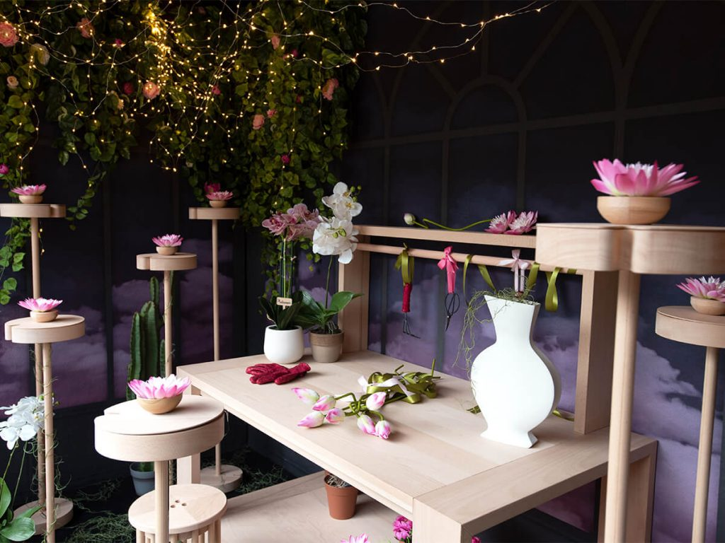 Flora's room: wooden design tables
