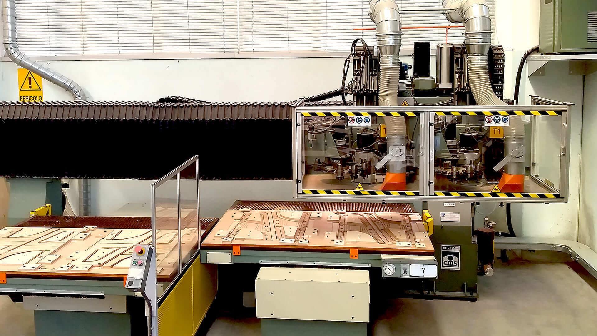 Cnc - produzione industriale di oggetti in legno